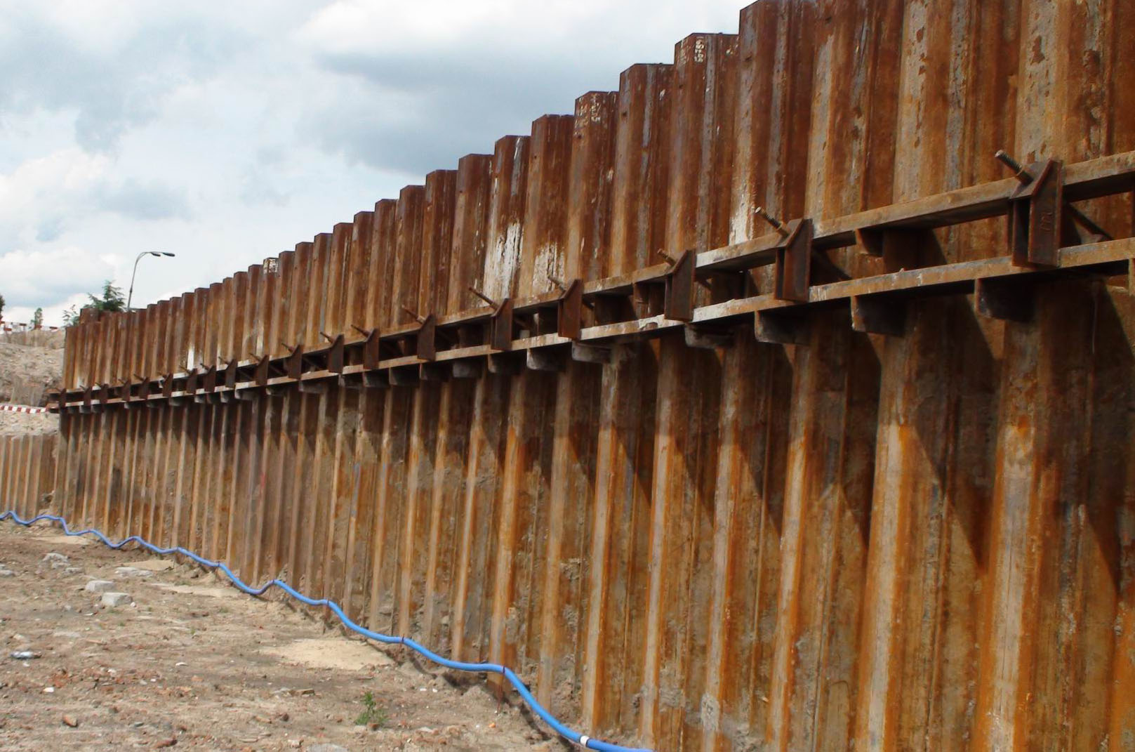 Sheet Pile Wall Design Calculation : Sheet pile walings walers wale