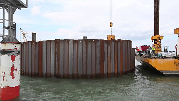 Sheet pile and cofferdam