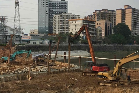 Small vibration, low noise static pressure steel sheet pile construction process